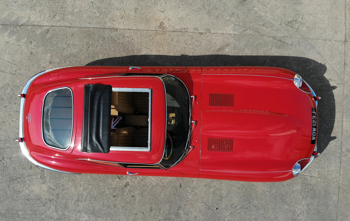 Jaguar E-Type 1970 FHC S2 - the rarest of them all For Sale (picture 3 of 6)