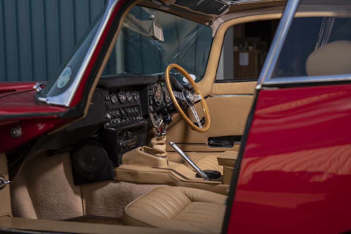 Jaguar E-Type 1970 FHC S2 - the rarest of them all For Sale (picture 4 of 6)