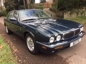 2000 BRITISH RACING GREEN XJ8, 60K ONLY, FSH For Sale