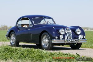 1956 Jaguar XK140 FHC Completely restored with matching numbers !