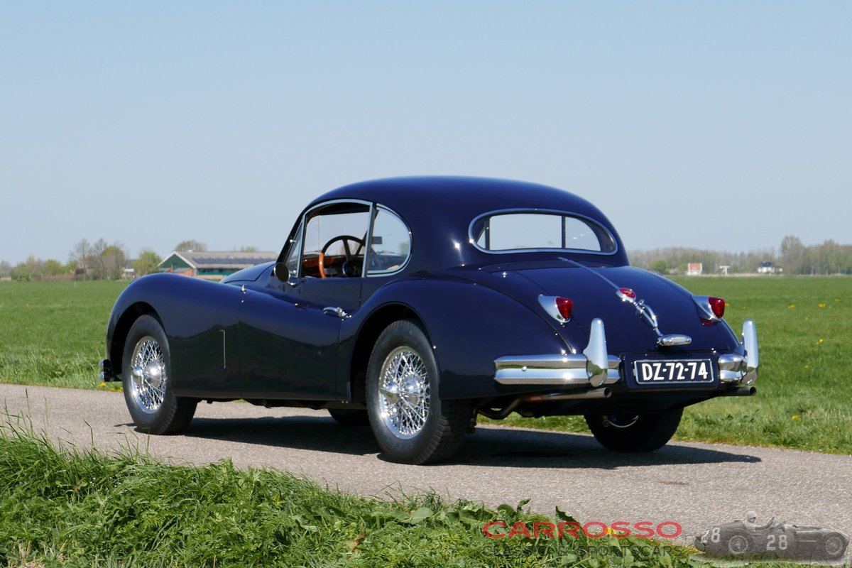 1956 Jaguar XK140 FHC Completely restored with matching numbers ! For Sale (picture 2 of 6)