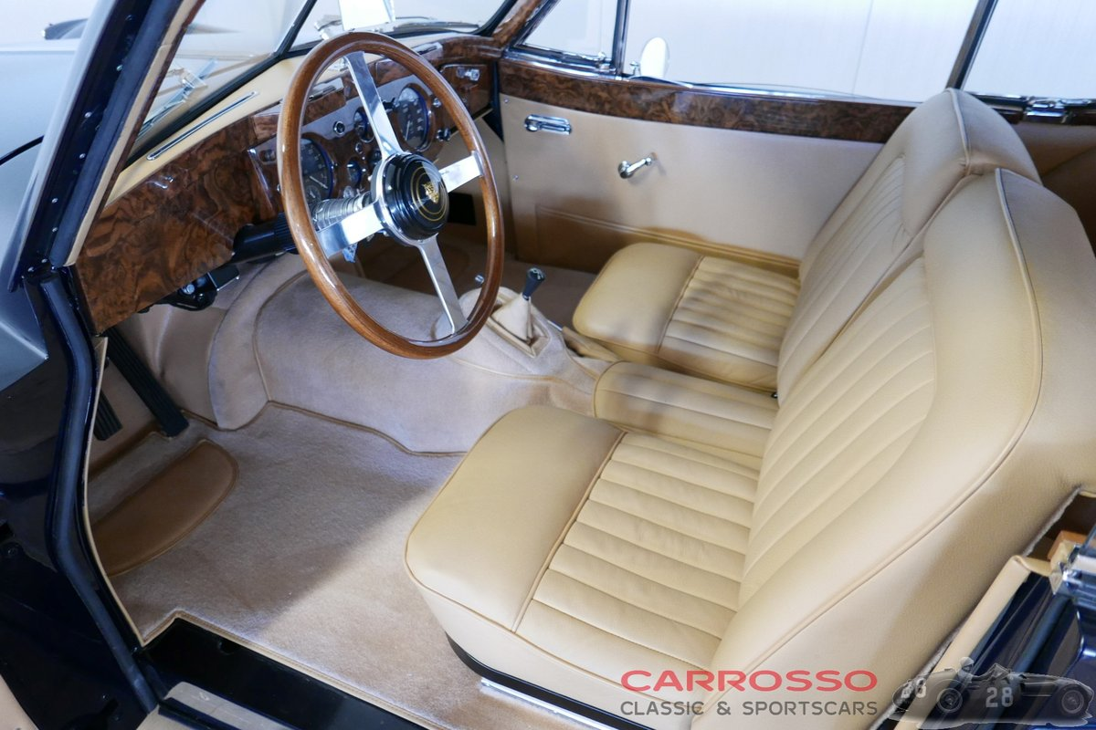1956 Jaguar XK140 FHC Completely restored with matching numbers ! For Sale (picture 3 of 6)