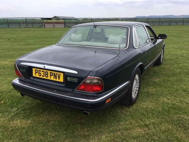 1997 Jaguar Sovereign at Morris Leslie Classic Auction 25th May SOLD by Auction (picture 3 of 6)