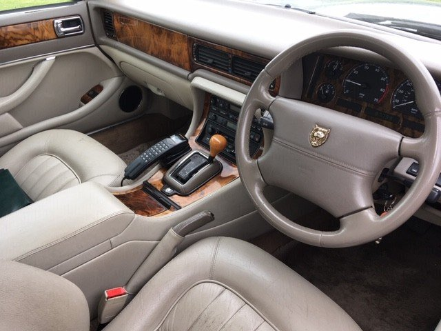 1997 Jaguar Sovereign at Morris Leslie Classic Auction 25th May SOLD by Auction (picture 5 of 6)
