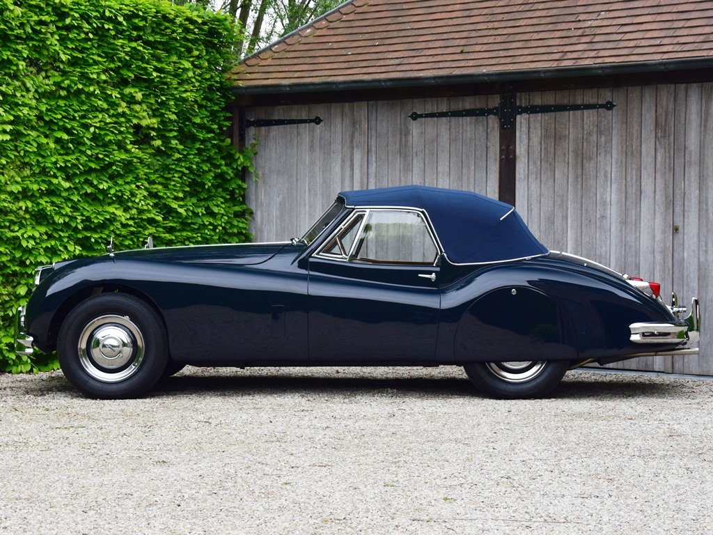 1957 Jaguar XK140 DHC. Restored and improved. For Sale (picture 2 of 6)