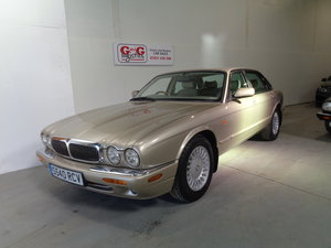 1998 Stunning car - 76k fsh - 2 previous owners !! For Sale