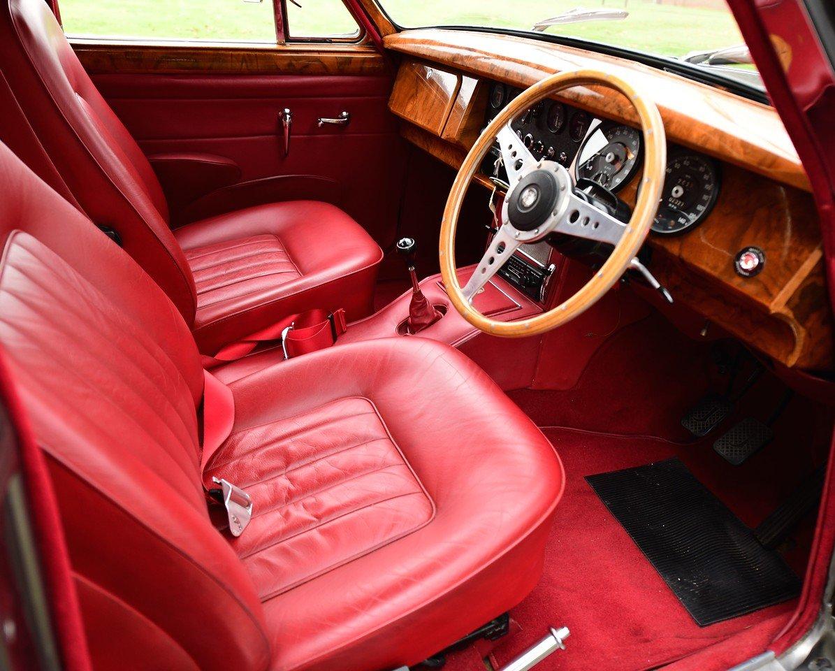 1965 Jaguar Mark II 3.8 SOLD (picture 4 of 6)