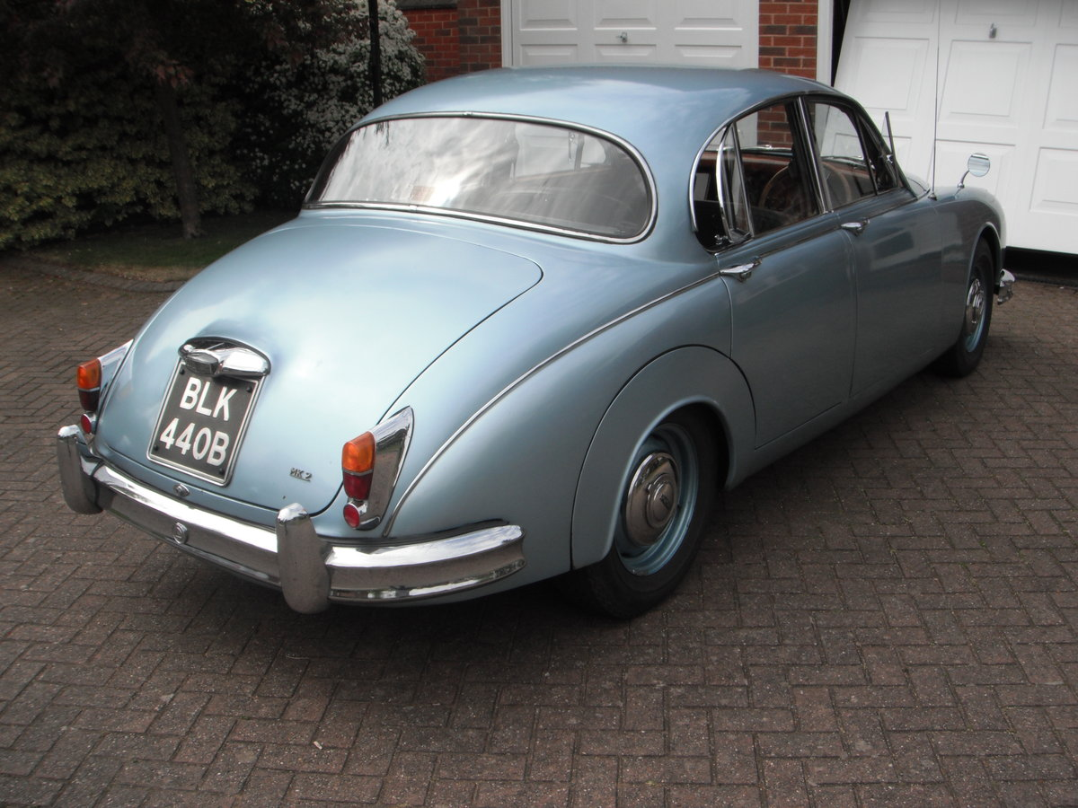 Jaguar Mark 2 – 3.4 manual o/d. 1964. SOLD (picture 2 of 6)