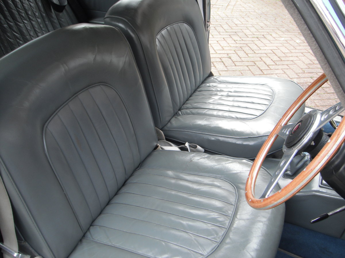 Jaguar Mark 2 – 3.4 manual o/d. 1964. SOLD (picture 4 of 6)