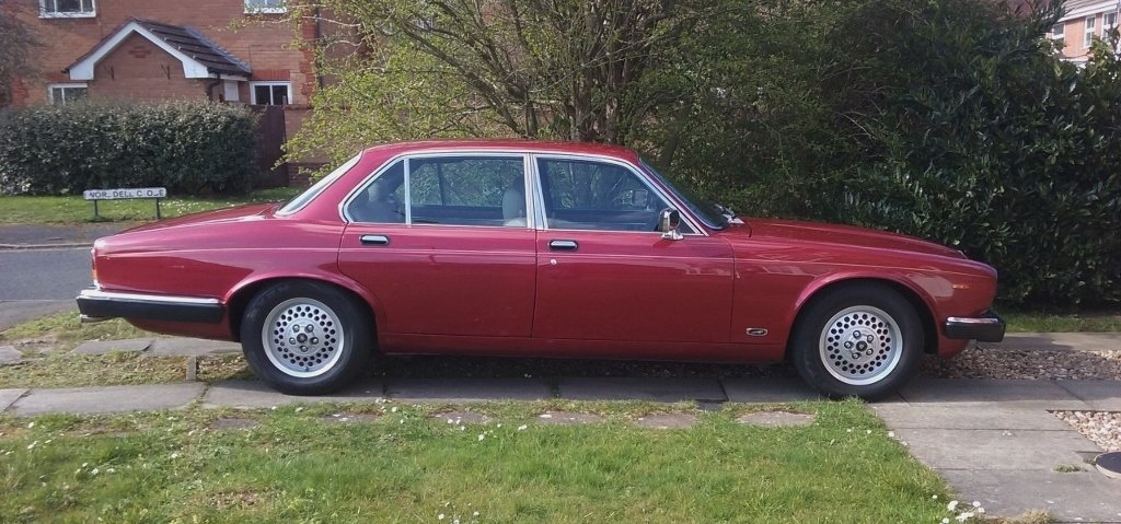 1985 jaguar XJ6 Sovereign 4.2 auto Series 3 SOLD (picture 1 of 6)
