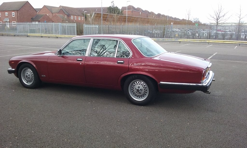 1985 jaguar XJ6 Sovereign 4.2 auto Series 3 SOLD (picture 2 of 6)