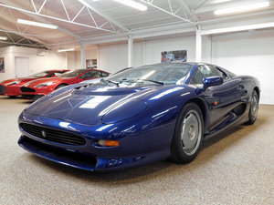 1992 JAGUAR XJ220 ** ONLY 4,000 KM ** FOR SALE For Sale