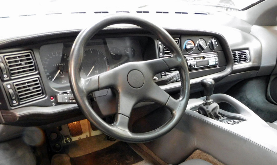 1992 JAGUAR XJ220 ** ONLY 4,000 KM ** FOR SALE For Sale (picture 6 of 6)