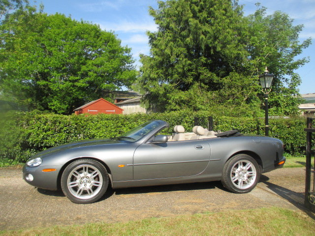 2002 Quartz Grey XK8 Convertible very low mileage superb conditio For Sale (picture 3 of 6)