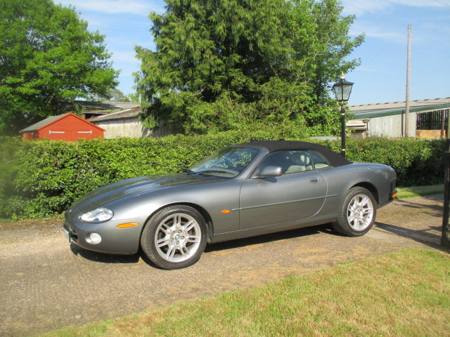 2002 Quartz Grey XK8 Convertible very low mileage superb conditio For Sale (picture 6 of 6)