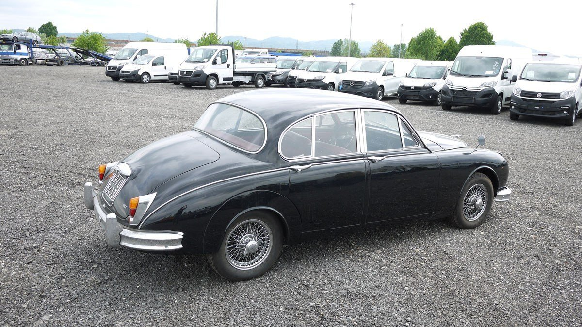1963 Jaguar Mark II Saloon For Sale by Auction (picture 2 of 3)