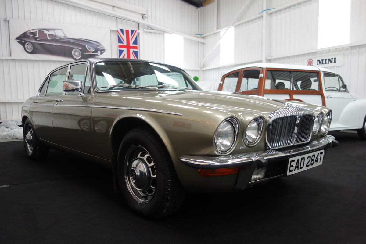 1979 Daimler Double Six VDP 40000 miles. Beautiful cond' SOLD (picture 2 of 6)