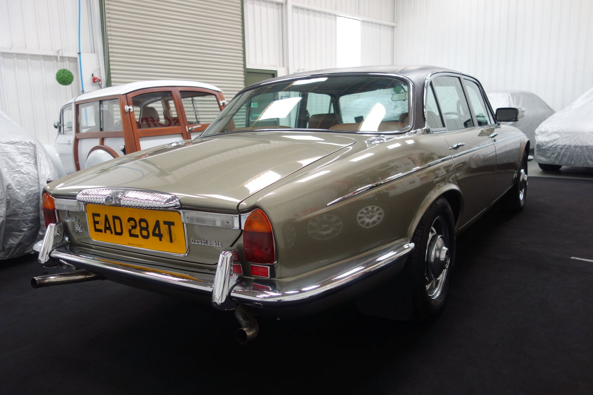 1979 Daimler Double Six VDP 40000 miles. Beautiful cond' SOLD (picture 4 of 6)
