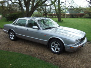 2000(X) Jaguar XJ8 Executive only 28000 miles For Sale