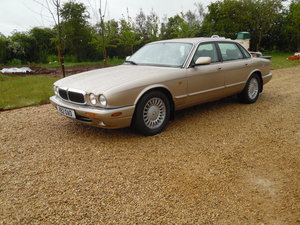 1998 Jaguar XJ8 Saloon - Just 42500 miles only For Sale by Auction