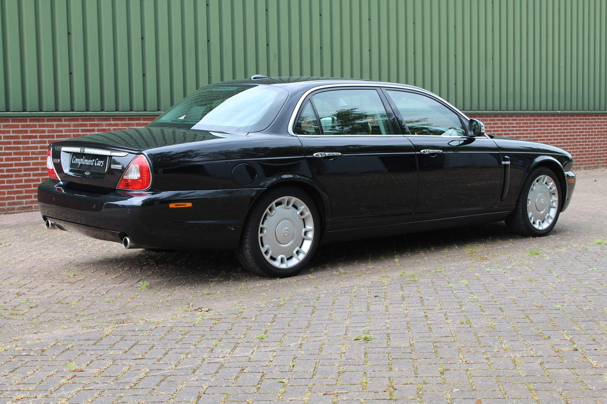 2008 Jaguar XJ  € 37.500,-- SOLD (picture 1 of 6)