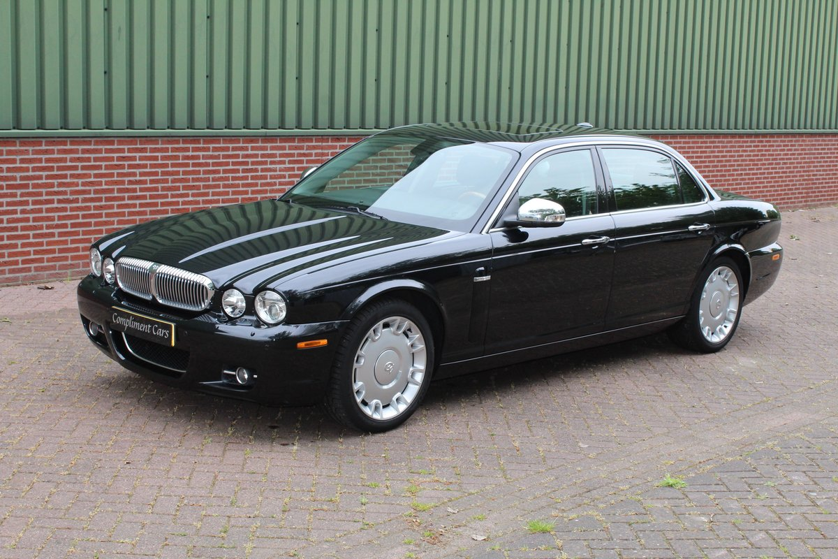 2008 Jaguar XJ  € 37.500,-- SOLD (picture 2 of 6)