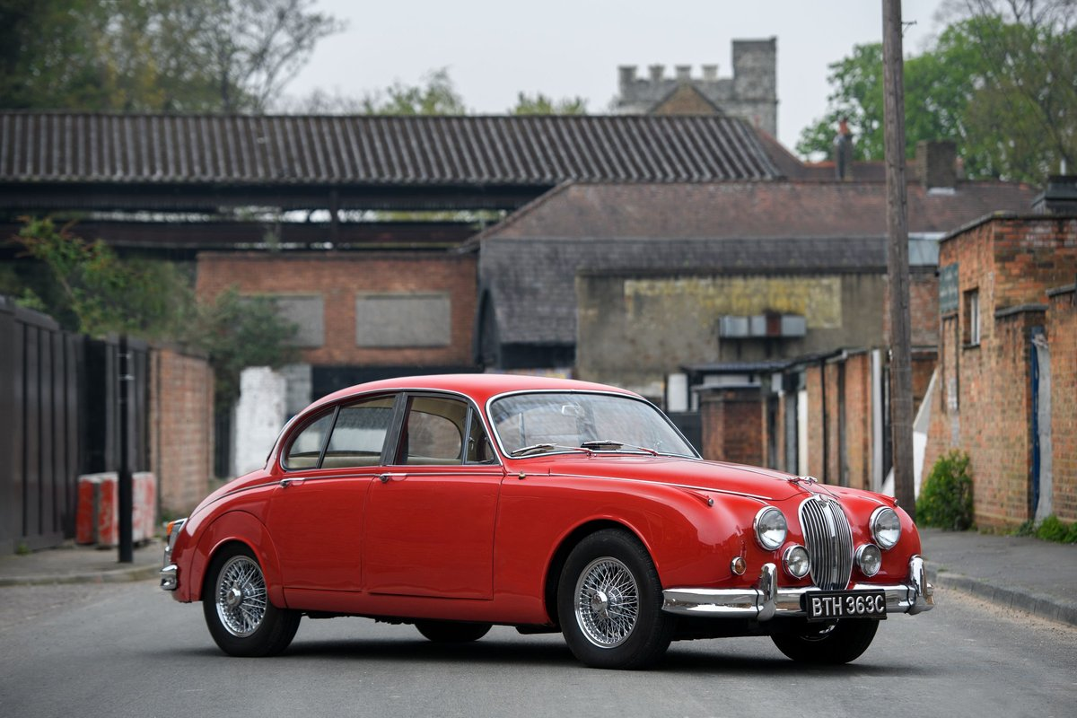 1965 Jaguar Mk II 3.8 overdrive SOLD (picture 1 of 12)