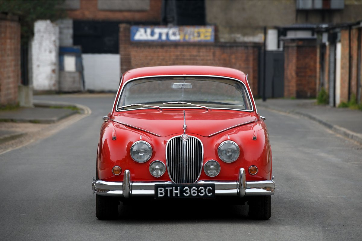 1965 Jaguar Mk II 3.8 overdrive SOLD (picture 2 of 12)