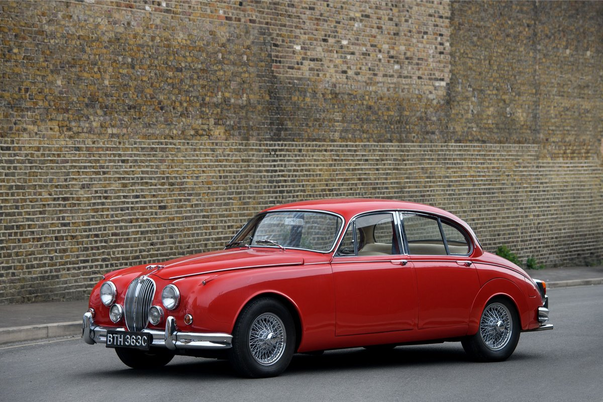 1965 Jaguar Mk II 3.8 overdrive SOLD (picture 4 of 12)