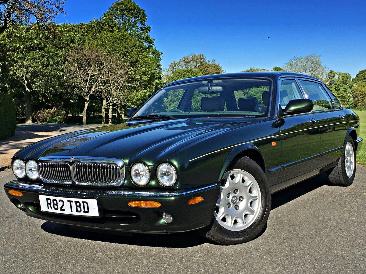 1998 Jaguar XJ8 4.0 V8 Sovereign Automatic LWB - 16,150 miles For Sale (picture 1 of 6)