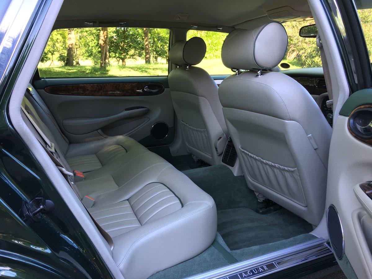 1998 Jaguar XJ8 4.0 V8 Sovereign Automatic LWB - 16,150 miles For Sale (picture 5 of 6)