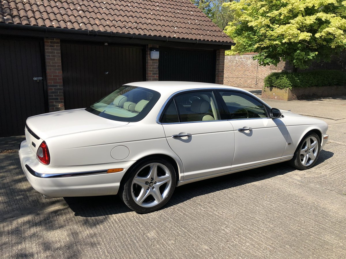 2007 Jaguar Sovereign SWB 4.2 with only 45k miles 100 pics online For Sale (picture 2 of 6)