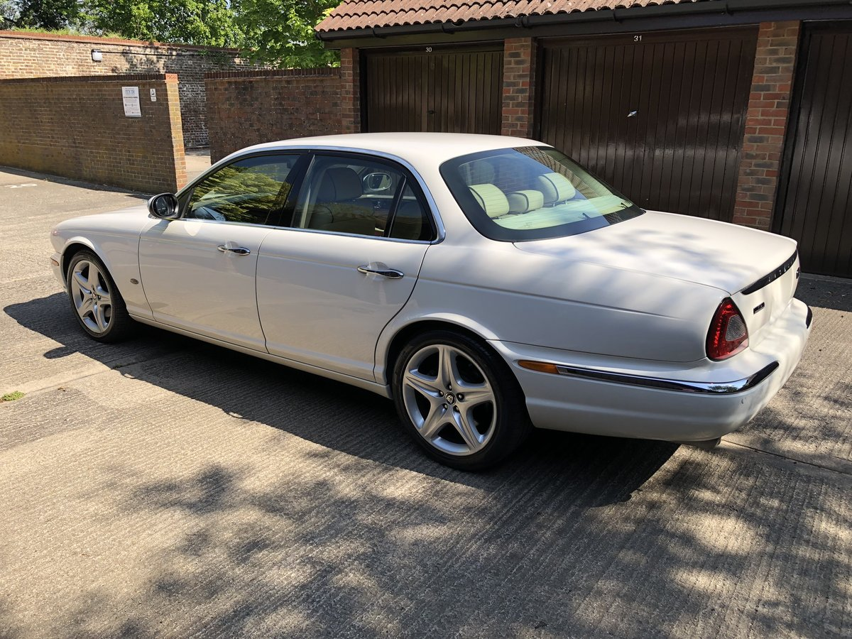 2007 Jaguar Sovereign SWB 4.2 with only 45k miles 100 pics online For Sale (picture 3 of 6)