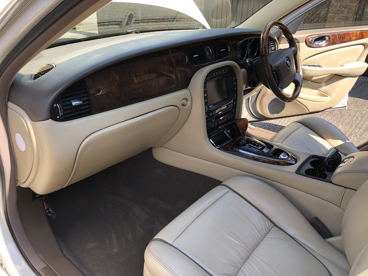 2007 Jaguar Sovereign SWB 4.2 with only 45k miles 100 pics online For Sale (picture 4 of 6)