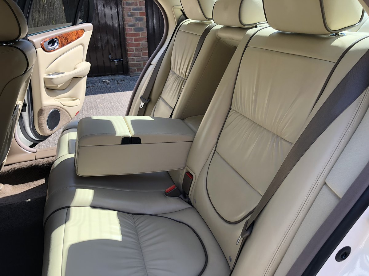 2007 Jaguar Sovereign SWB 4.2 with only 45k miles 100 pics online For Sale (picture 5 of 6)