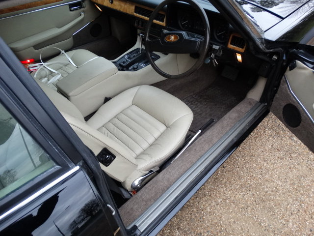 1984 JAGUAR XJS V12 HE ONLY 41,000 MILES For Sale (picture 5 of 6)