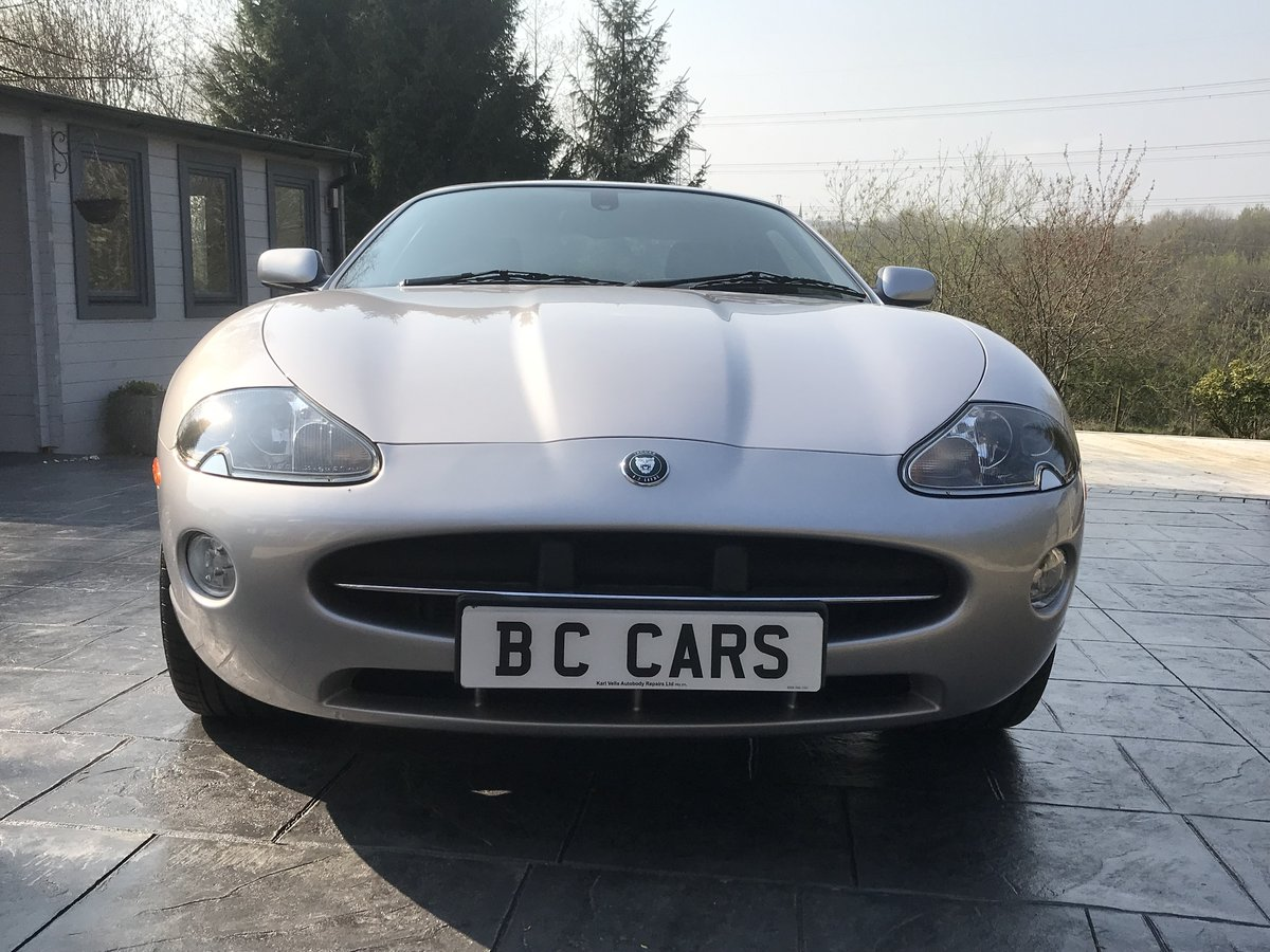 2005 LOW MILES IMMACULATE JAGUAR XK8 FUTURE CLASSIC For Sale (picture 1 of 6)