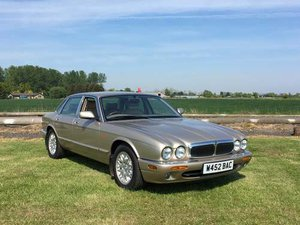 2000 Jaguar XJ8 Auto at Morris Leslie Auction 25th May For Sale by Auction