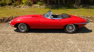 Series 1 E-type Jaguar OTS Convertible 1967 in Red For Sale