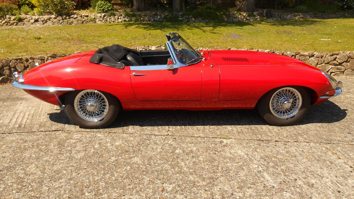 Series 1 E-type Jaguar OTS Convertible 1967 in Red For Sale (picture 2 of 6)