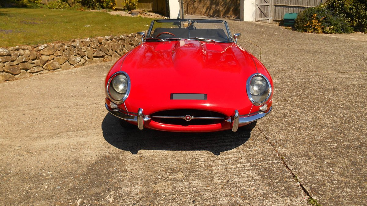 Series 1 E-type Jaguar OTS Convertible 1967 in Red For Sale (picture 3 of 6)