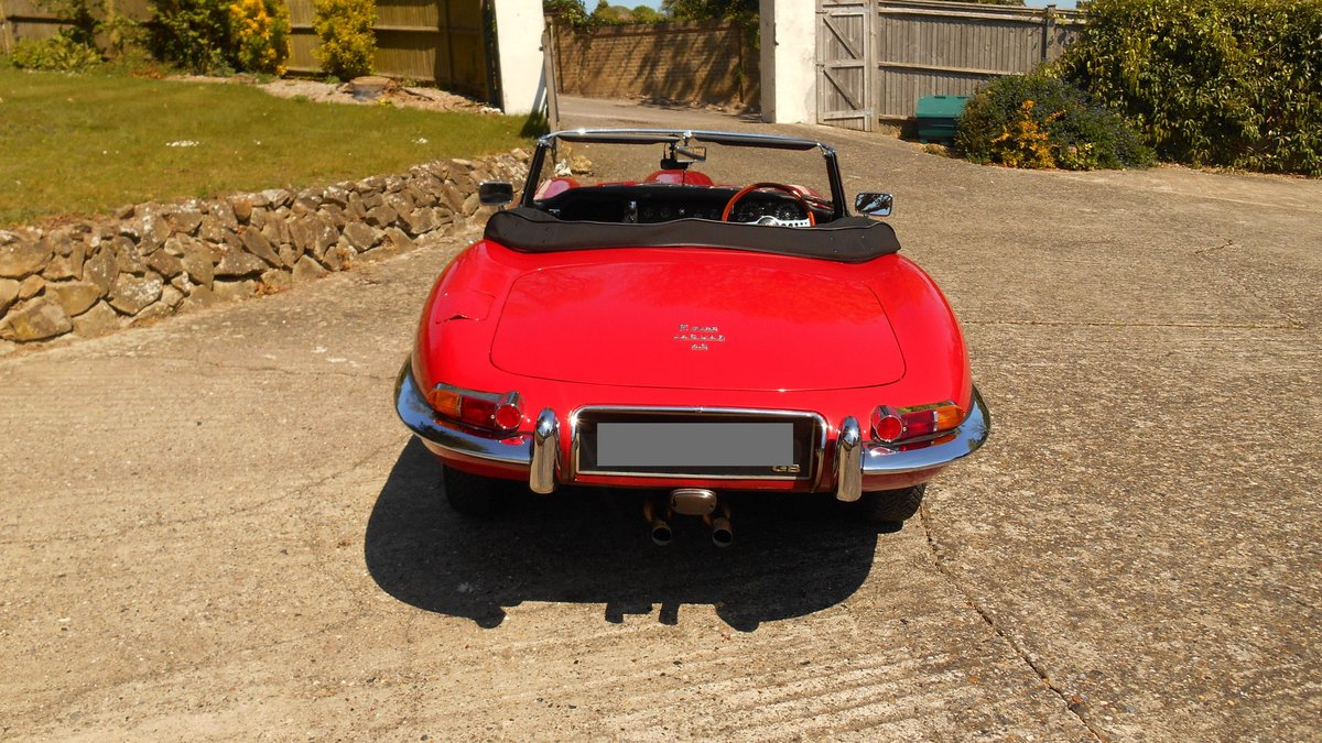 Series 1 E-type Jaguar OTS Convertible 1967 in Red For Sale (picture 4 of 6)