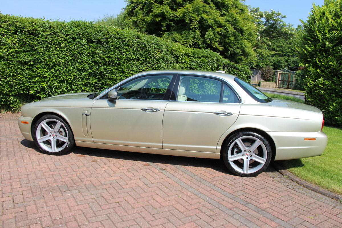 2008 A Magnificent Gold Jaguar XJ  - dream car ! For Sale (picture 4 of 6)