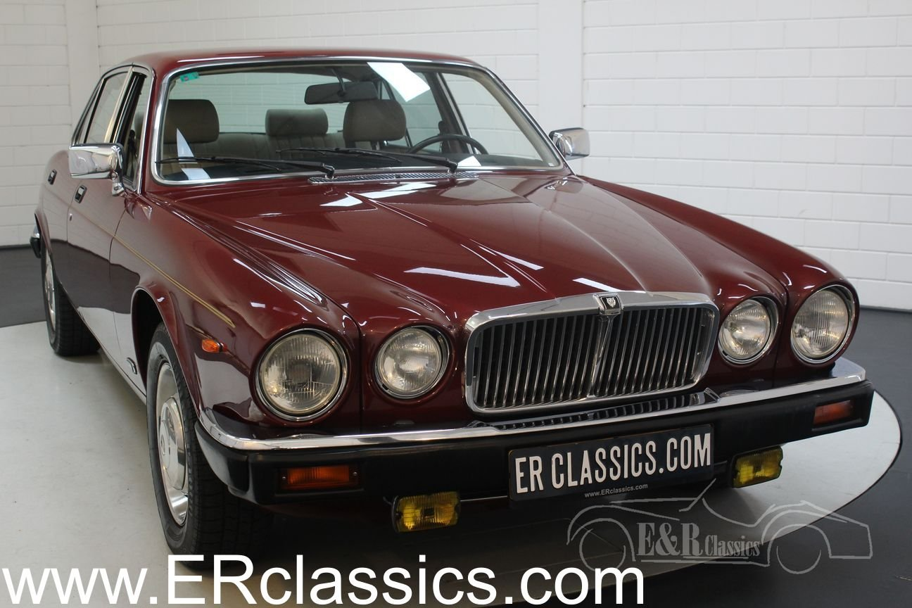 Jaguar XJ6 4.2 Sovereign 1986 Automatic gearbox, new paint For Sale (picture 1 of 6)