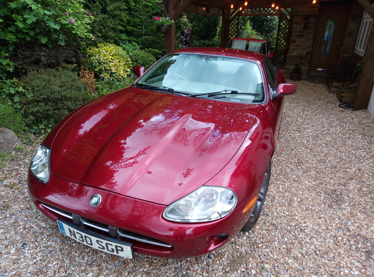 1998 JAGUAR XK8 IN REMARKABLE CONDITION  For Sale (picture 4 of 6)