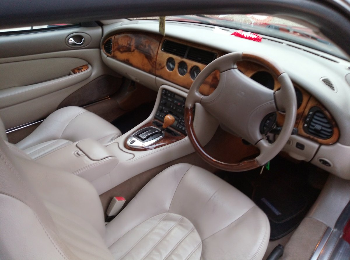 1998 JAGUAR XK8 IN REMARKABLE CONDITION  For Sale (picture 6 of 6)