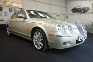 2004 Jaguar S-Type SE 4.2 v8 98'500 miles Excellent cond' SOLD