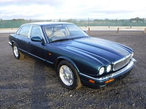 1994 Jaguar Sovereign at Morris Leslie Auction 17th August