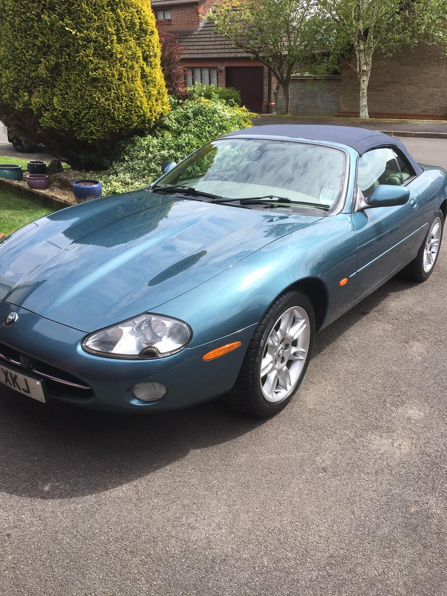 2001 Jaguar XK8 4.0 2dr For Sale (picture 2 of 6)