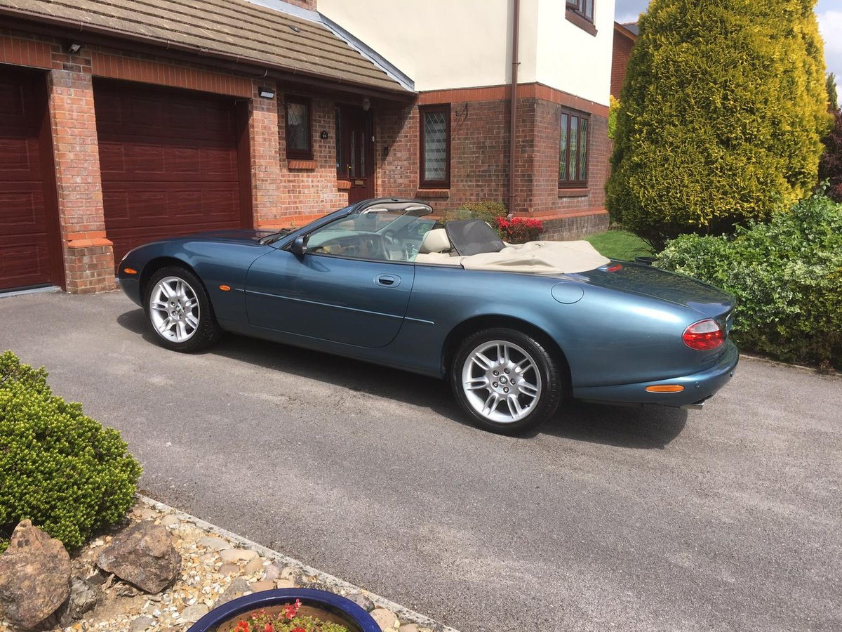 2001 Jaguar XK8 4.0 2dr For Sale (picture 4 of 6)